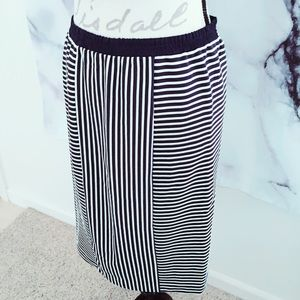 Women's Small Pencil Skirt Navy DECollection